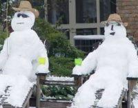 Забавные снеговики, созданные людьми с богатой фантазией