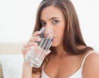 Названы способы выведения токсинов и пополнения организма витаминами для курильщиков