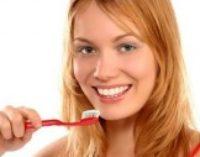 Стоматологи рассказали, когда именно нужно чистить зубы по утрам
