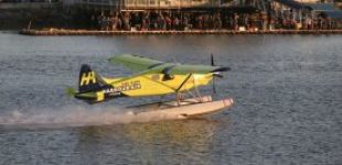 В Канаде успешно прошел первый коммерческий полет полностью электрического гидросамолета