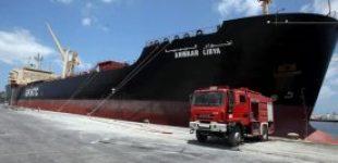На востоке Ливии Хафтар перекрыл все порты и приказал прекратить отгрузку нефти