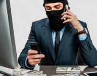 Телефонный разговор с «сотрудником банка» стоил женщине 7 тысяч гривен